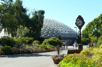 Bloedel Conservatory and Plaza Clock. Photo Vicky Earle.